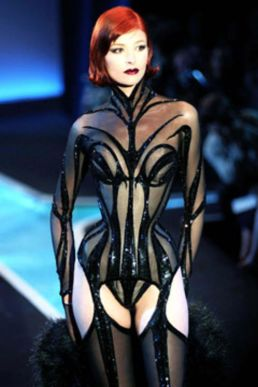 mugler-fashion
